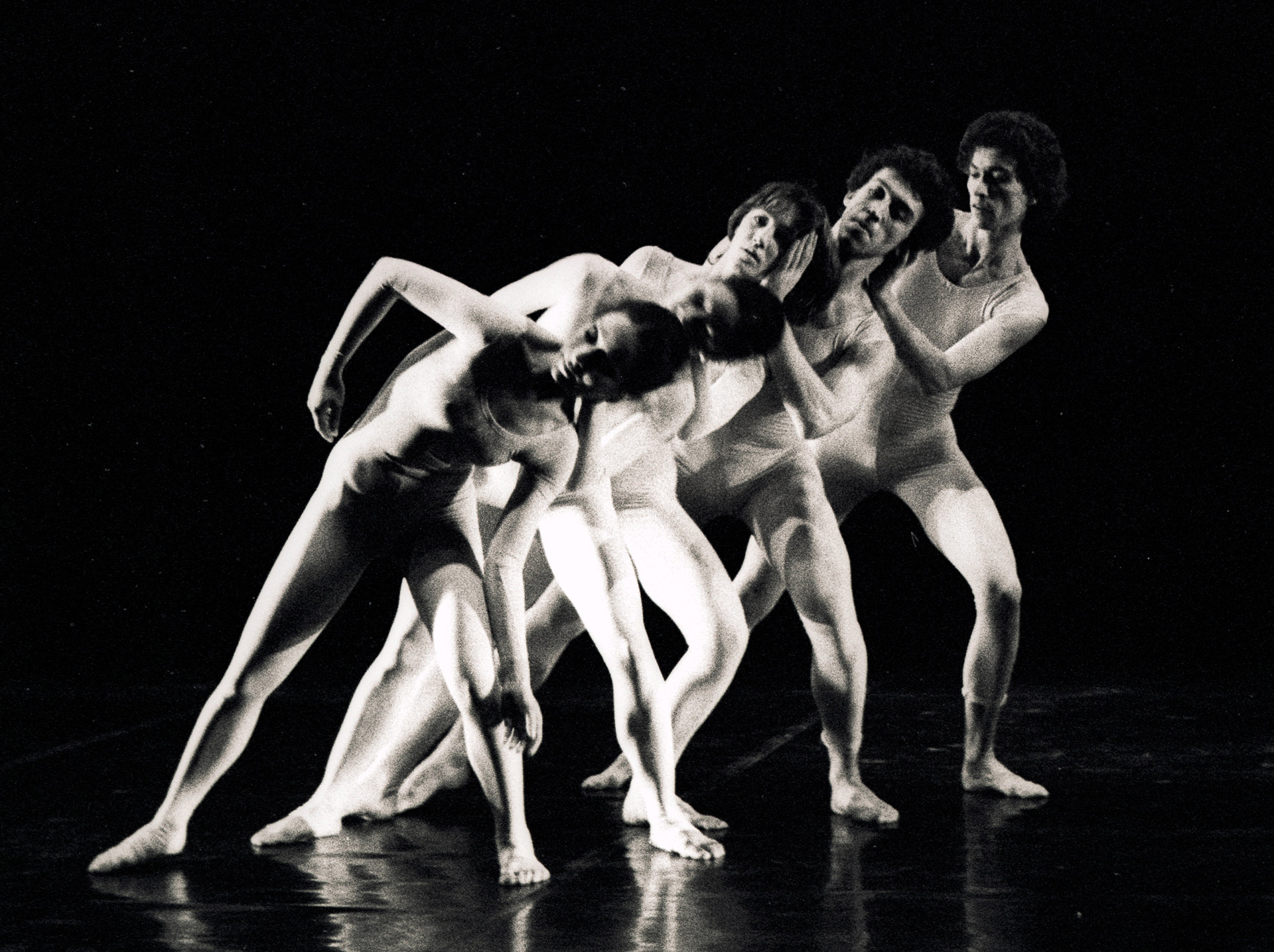 Extemporary Dance Theatre