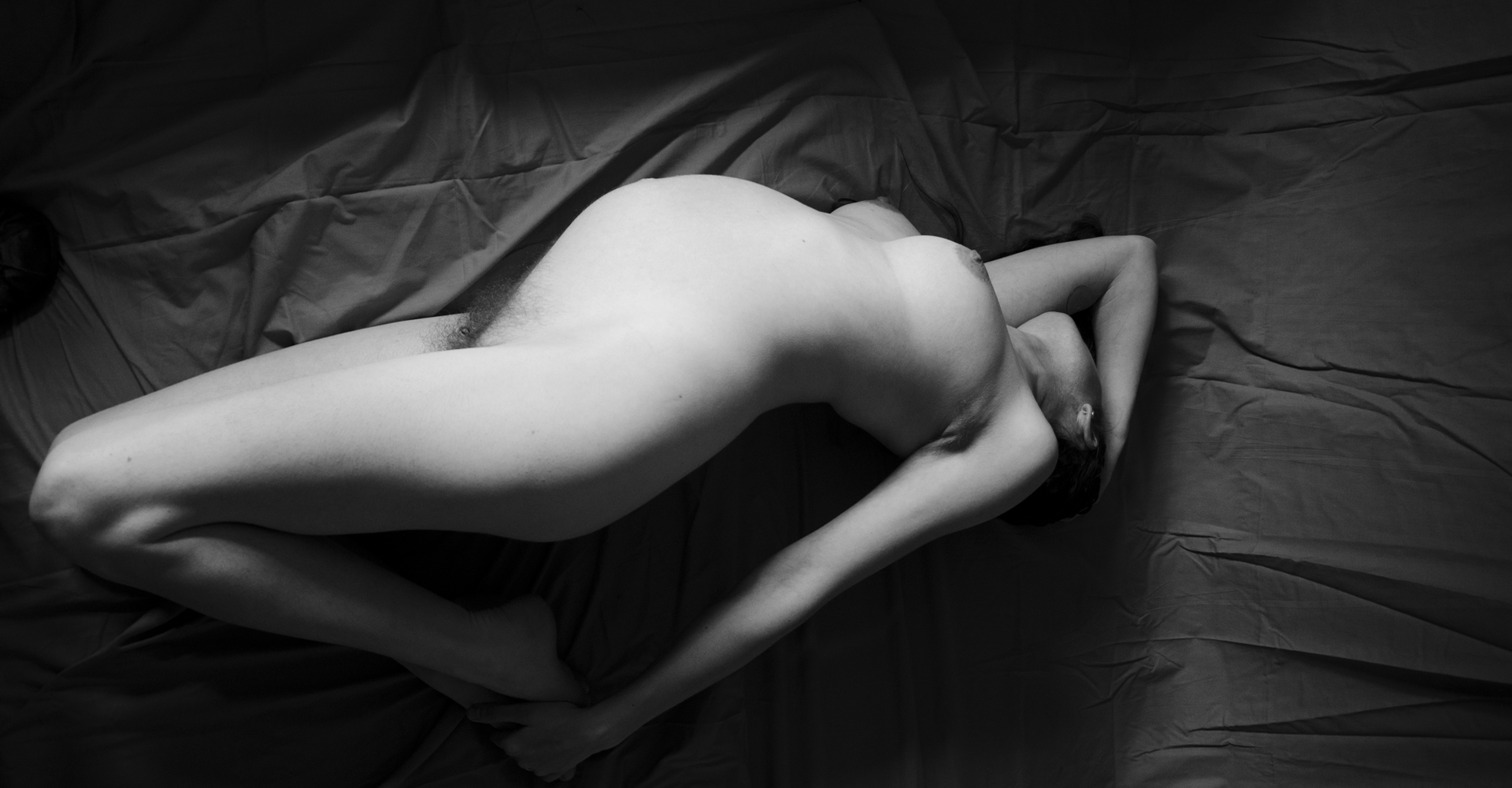 Pregnant nude supine
